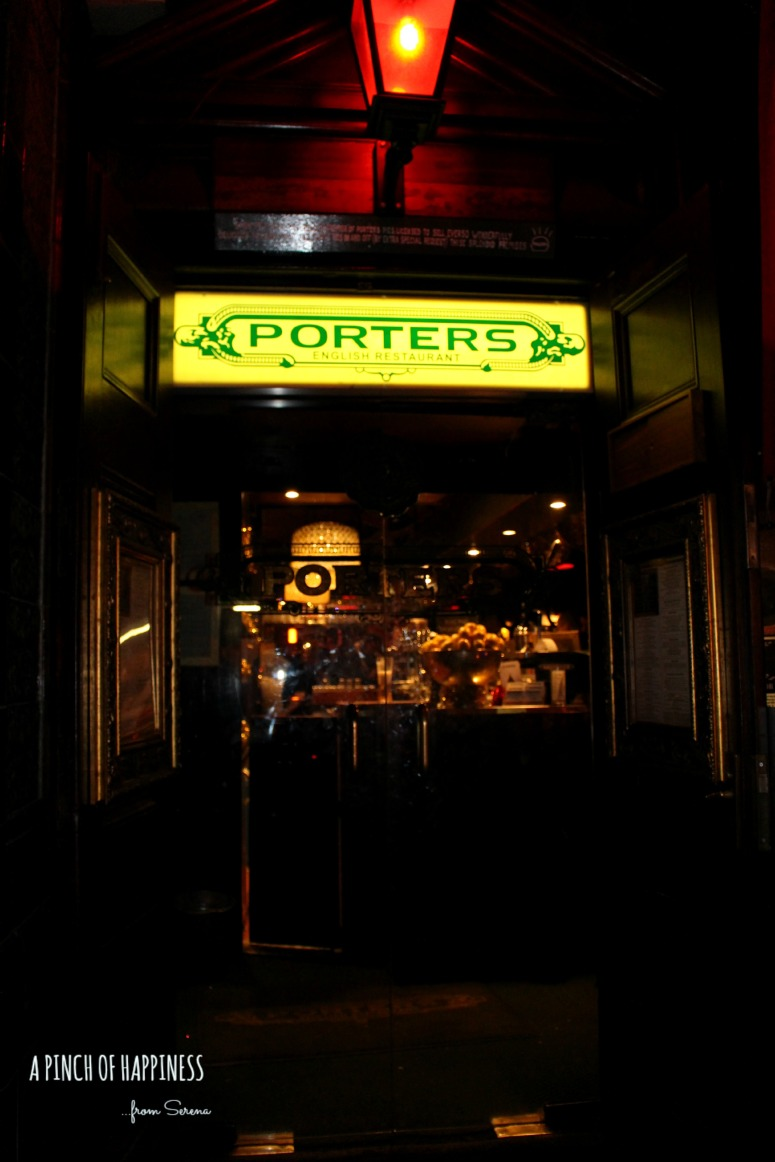 london, Dinner at Porters